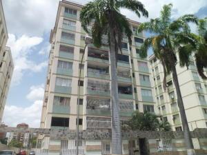 Apartamento En Ventaen Valencia, Camoruco, Venezuela, VE RAH: 18-8855