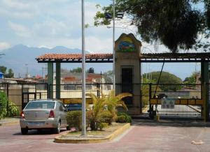 Casa En Ventaen San Joaquin, Altamira, Venezuela, VE RAH: 18-8748