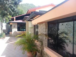 Casa En Ventaen Maracay, Lomas De Palmarito, Venezuela, VE RAH: 18-8789