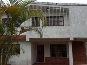 Casa En Ventaen Parroquia Carayaca, Almendron, Venezuela, VE RAH: 18-8835