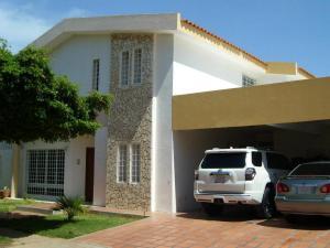 Townhouse En Ventaen Maracaibo, Fuerzas Armadas, Venezuela, VE RAH: 18-8844