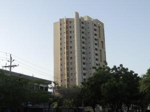 Apartamento En Alquileren Maracaibo, Avenida El Milagro, Venezuela, VE RAH: 18-8860