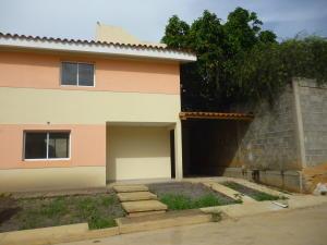 Townhouse En Ventaen Cabudare, La Piedad Norte, Venezuela, VE RAH: 18-8893