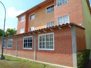 Apartamento En Ventaen Guatire, Alto Grande, Venezuela, VE RAH: 18-8896