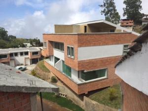 Casa En Ventaen San Antonio De Los Altos, Las Polonias Viejas, Venezuela, VE RAH: 18-8908