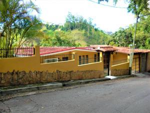 Casa En Ventaen Carrizal, Colinas De Carrizal, Venezuela, VE RAH: 18-7232