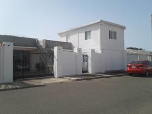 Casa En Ventaen Punto Fijo, Campo Maraven, Venezuela, VE RAH: 18-8952