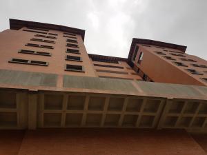 Apartamento En Ventaen Merida, Avenida Las Americas, Venezuela, VE RAH: 18-9021
