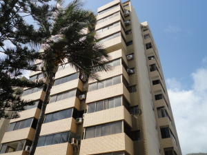 Apartamento En Ventaen Parroquia Caraballeda, Camuri Chico, Venezuela, VE RAH: 18-9043