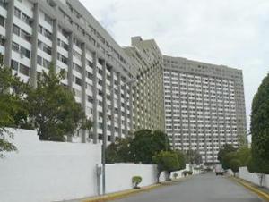 Apartamento En Ventaen Parroquia Caraballeda, Los Corales, Venezuela, VE RAH: 18-9096