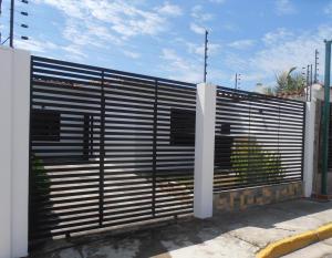 Casa En Ventaen Palo Negro, Conjunto Residencial Casanova, Venezuela, VE RAH: 18-9086