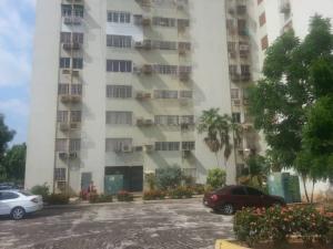 Apartamento En Ventaen Maracaibo, Circunvalacion Uno, Venezuela, VE RAH: 18-9088