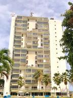 Apartamento En Ventaen La Guaira, Sector Las Quince Letras, Venezuela, VE RAH: 18-9118