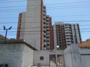 Apartamento En Ventaen Maracaibo, Belloso, Venezuela, VE RAH: 18-9136