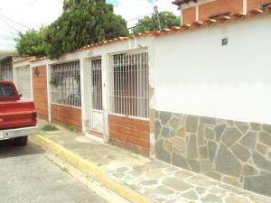 Casa En Ventaen Turmero, Santiago Mariño, Venezuela, VE RAH: 18-9146