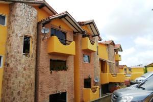 Townhouse En Ventaen Caracas, El Hatillo, Venezuela, VE RAH: 18-9178