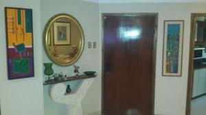 Apartamento En Ventaen Maracaibo, La Lago, Venezuela, VE RAH: 18-9241