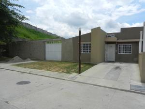 Casa En Ventaen Guatire, Canaima Dos, Venezuela, VE RAH: 18-9302
