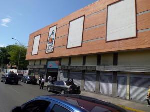 Local Comercial En Ventaen Maracay, Avenida Bolivar, Venezuela, VE RAH: 18-9327