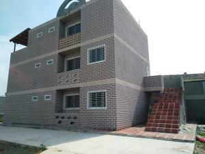 Apartamento En Ventaen Municipio Linares Alcantara, Conjunto Residencial La Cienaga, Venezuela, VE RAH: 18-9346