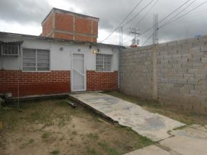 Casa En Ventaen Palo Negro, San Antonio, Venezuela, VE RAH: 18-9350