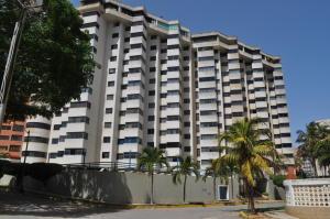 Apartamento En Ventaen Catia La Mar, Playa Grande, Venezuela, VE RAH: 18-9388