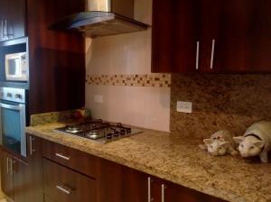 Apartamento En Ventaen Maracaibo, Sabaneta, Venezuela, VE RAH: 18-9456