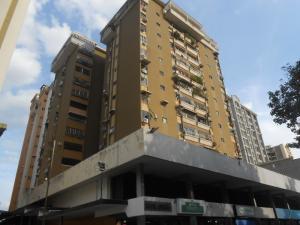 Apartamento En Ventaen Maracay, Andres Bello, Venezuela, VE RAH: 18-9481