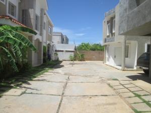 Apartamento En Alquileren Maracaibo, El Pilar, Venezuela, VE RAH: 18-9524