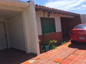 Casa En Ventaen Punto Fijo, Las Virtudes, Venezuela, VE RAH: 18-9505