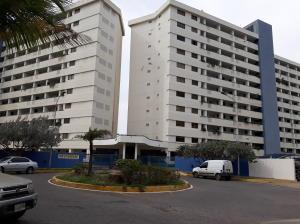 Apartamento En Ventaen Lecheria, Venecia, Venezuela, VE RAH: 17-15265