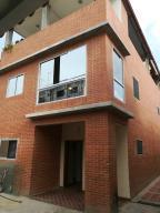Casa En Ventaen Caracas, Los Cedros, Venezuela, VE RAH: 18-9592