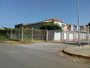 Townhouse En Ventaen Maracaibo, Avenida Delicias Norte, Venezuela, VE RAH: 18-9610