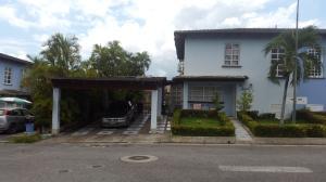 Casa En Ventaen Guatire, Vista Montana, Venezuela, VE RAH: 18-9613