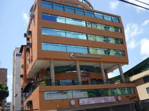 Local Comercial En Ventaen Maracay, Calicanto, Venezuela, VE RAH: 18-9644