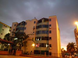 Apartamento En Ventaen Valencia, Los Caobos, Venezuela, VE RAH: 18-9690