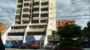 Apartamento En Alquileren Maracaibo, La Lago, Venezuela, VE RAH: 18-9711