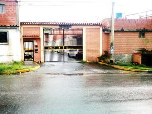 Casa En Ventaen Guatire, El Castillejo, Venezuela, VE RAH: 18-9773