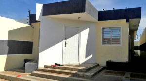 Casa En Ventaen Punto Fijo, Puerta Maraven, Venezuela, VE RAH: 18-7108