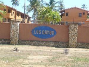 Apartamento En Ventaen Tucacas, Tucacas, Venezuela, VE RAH: 18-9812