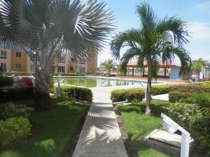 Apartamento En Ventaen Lecheria, Av Americo Vespucio, Venezuela, VE RAH: 18-9848