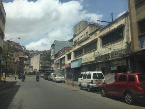 Local Comercial En Ventaen Caracas, Puente Hierro, Venezuela, VE RAH: 18-9873