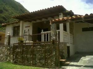 Casa En Ventaen La Puerta, Via Principal, Venezuela, VE RAH: 18-9879