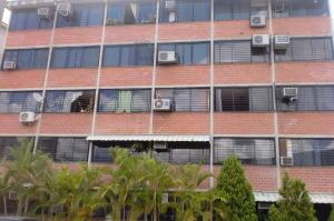 Apartamento En Ventaen Guarenas, Ciudad Casarapa, Venezuela, VE RAH: 18-9914