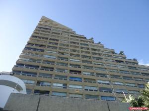 Apartamento En Ventaen Catia La Mar, Playa Grande, Venezuela, VE RAH: 18-9911