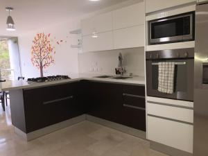 Apartamento En Ventaen Caracas, El Encantado, Venezuela, VE RAH: 18-9932