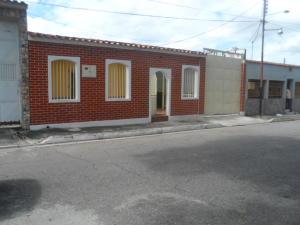 Casa En Ventaen Turmero, El Macaro, Venezuela, VE RAH: 18-10024