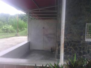 Casa En Ventaen Caucagua, Av General Miguel Acevedo, Venezuela, VE RAH: 18-9965