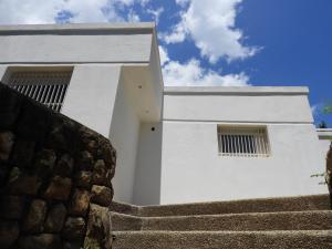 Casa En Ventaen Parroquia Caraballeda, Los Corales, Venezuela, VE RAH: 18-10084