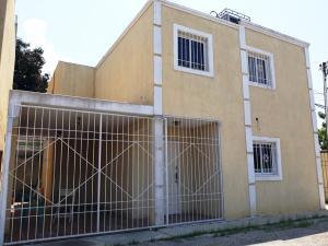 Townhouse En Ventaen Cabimas, Concordia, Venezuela, VE RAH: 18-9078